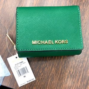 BRAND NEW WITH TAGS MICHAEL KORS COMPACT TRIFOLD WALLET